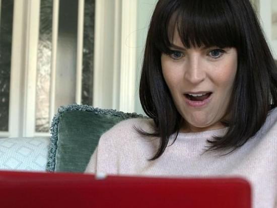 """Anna Richardson, une enquête sur le """"revenge porn"""""""