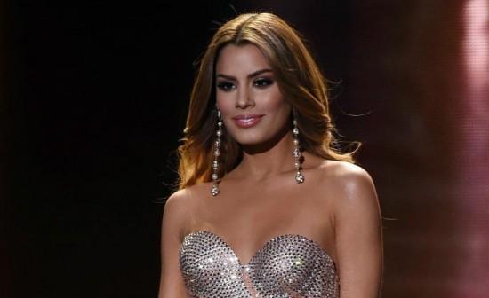 Ariadna lors de la cérémonie miss univers 2015 à Las Vegas
