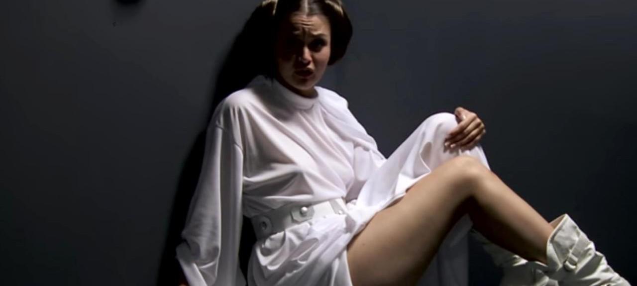 La fausse princesse dans la parodie porno de Star wars