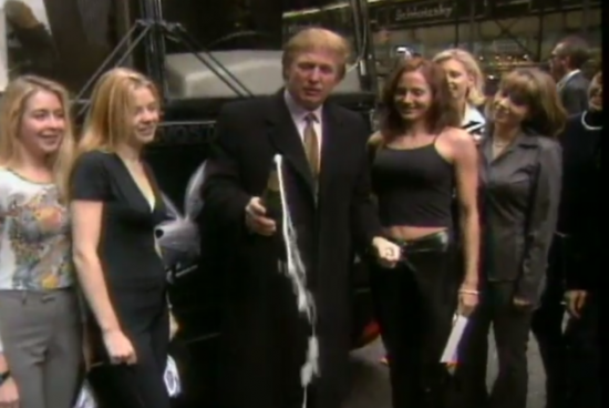 Trump avec playboy - 2004