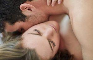baiser sur le cou