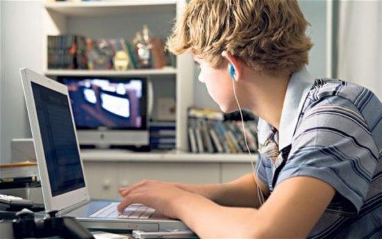 adolescent et le porno