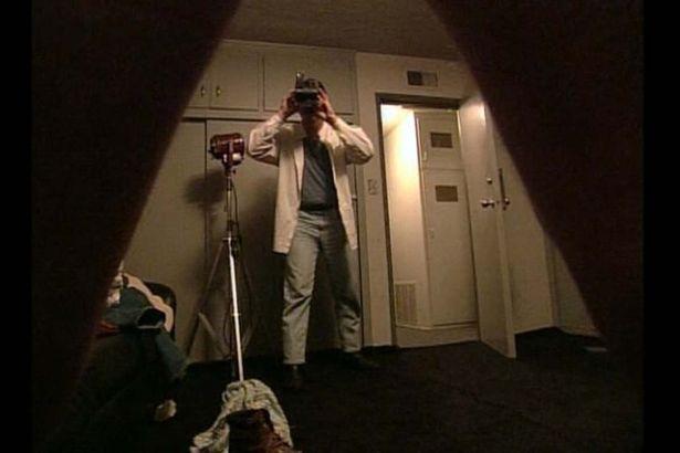 Steve prend quelques clichés nus de Louis